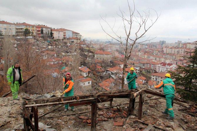 Çankaya Belediyesi kaçak yapıları yıkmaya devam ediyor