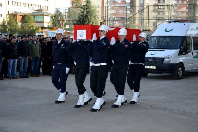 Diyarbakır'da şehit polis memuru için tören düzenlendi