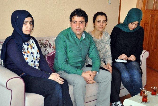 Başbakan Davutoğlu Fedakar Öğretmeni Tebrik Etti