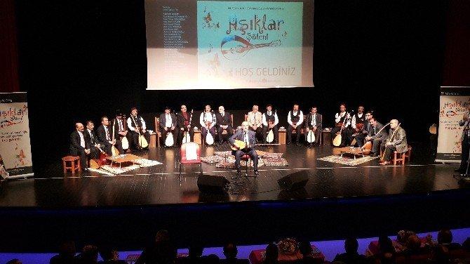 Sultanbeyli'de âŞıkların Atışması Renkli Anlara Sahne Oldu