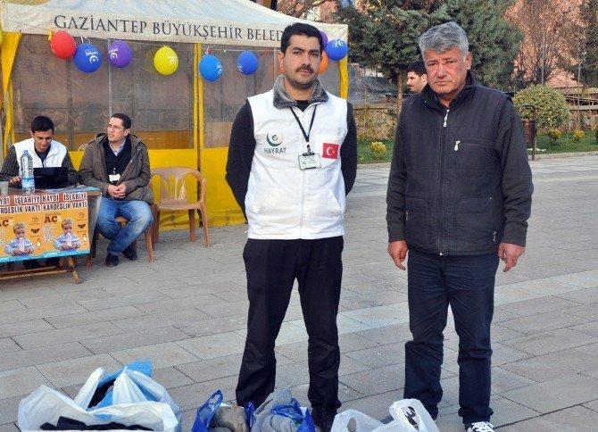 Gavurdağlı, Bayır-bucak'taki Türkmenler İçin Yardım Topladı