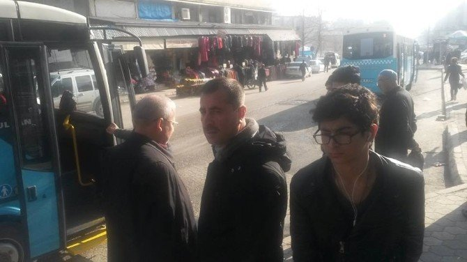 Vali, Tebdili Kıyafetle Halk Otobüsünde