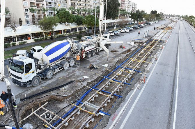 Konak Tramvayı'nda ilk 700 metre aşıldı