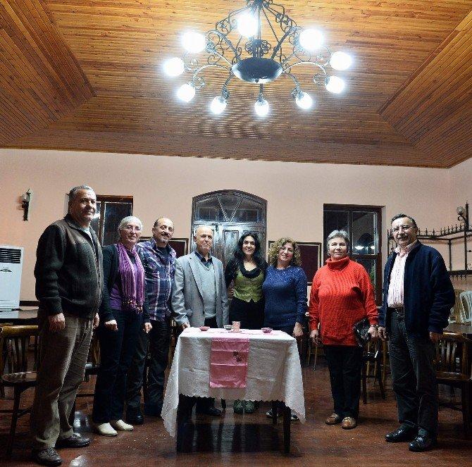 Muratpaşa Belediyesi'nden Komşular Tiyatrosu