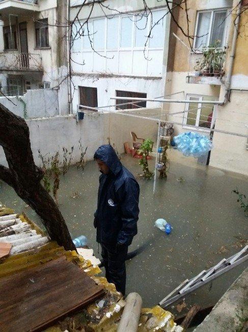 Lodos Ve Yağmurun Tahribatını Büyükşehir Gideriyor