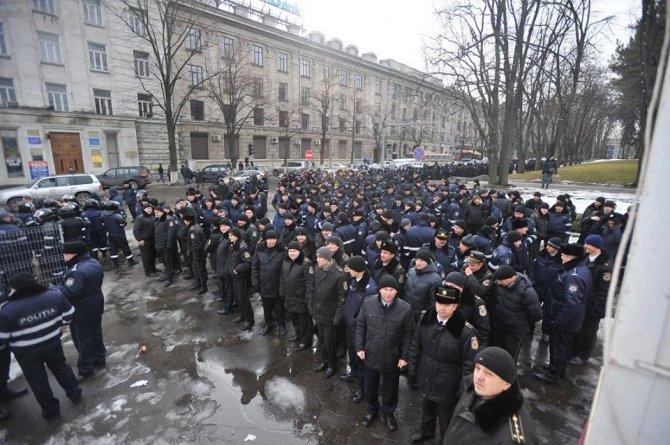 Moldova'da başbakan adayı görevi cumhurbaşkanına iade etti