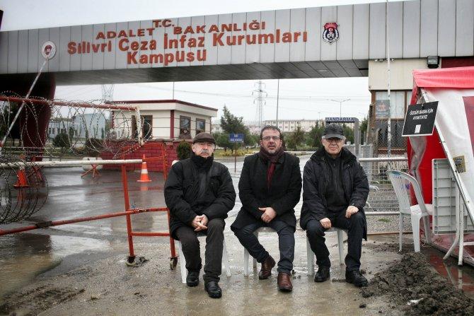 Silivri Cezaevi önünde 'Ey özgürlük' türküsü