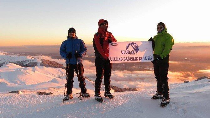Bursalı Dağcılar Çıkılması İmkansız Zirveye Tırmandı
