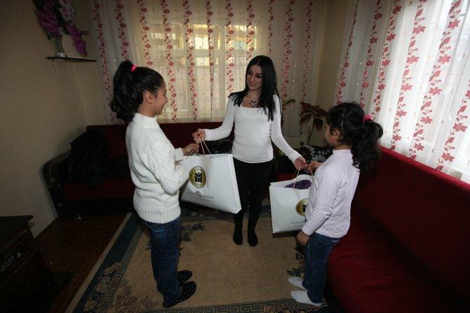 Yenimahalle'den çocuklara hediye kışlık mont