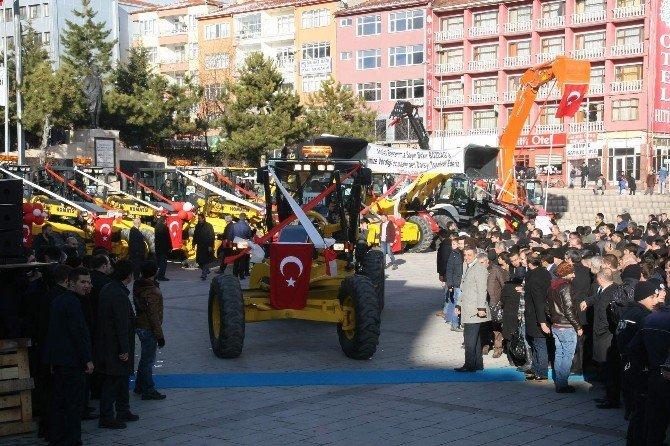 Yozgat İl Özel İdaresi Tarafından Alınan 26 İş Makinesi Hizmete Sunuldu