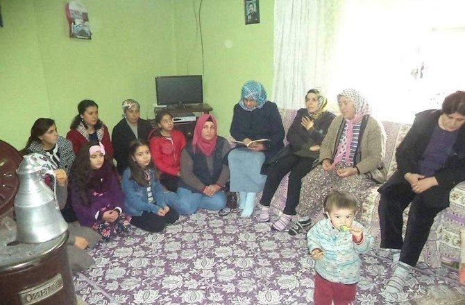 AK Partili Kadınlar Şehit Evinde Yasin Okudu