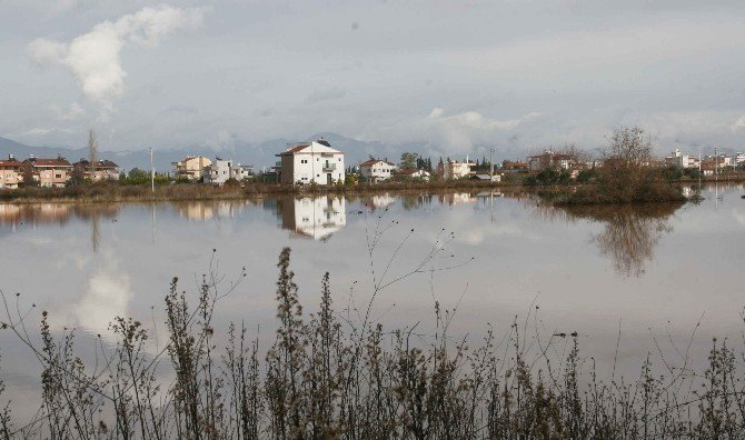Antalya'nın Döşemealtı İlçesine Rekor Yağış Düştü