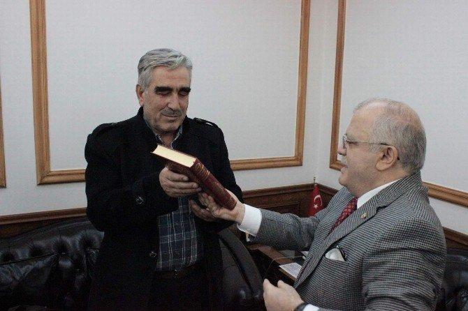 """Bayır-bucak Türkmen Komutanı Ahmet Arnavut: """"Türk Milleti Oldukça Korkmayız"""""""