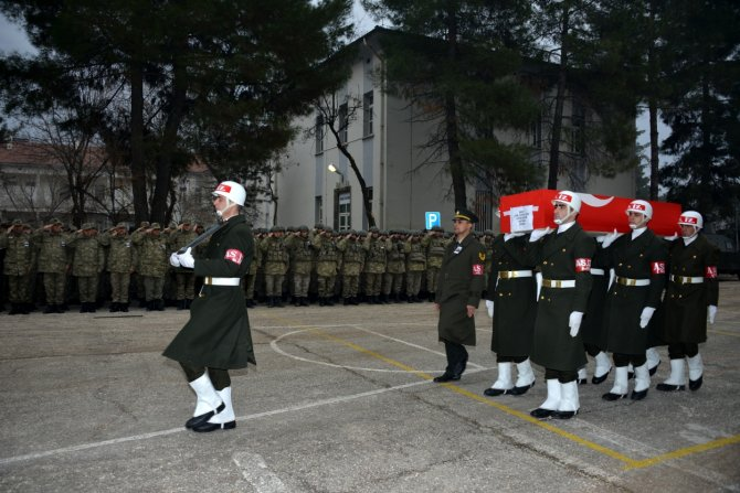 Diyarbakır'da Şehit Uzman Çavuş Şahin için tören düzenlendi