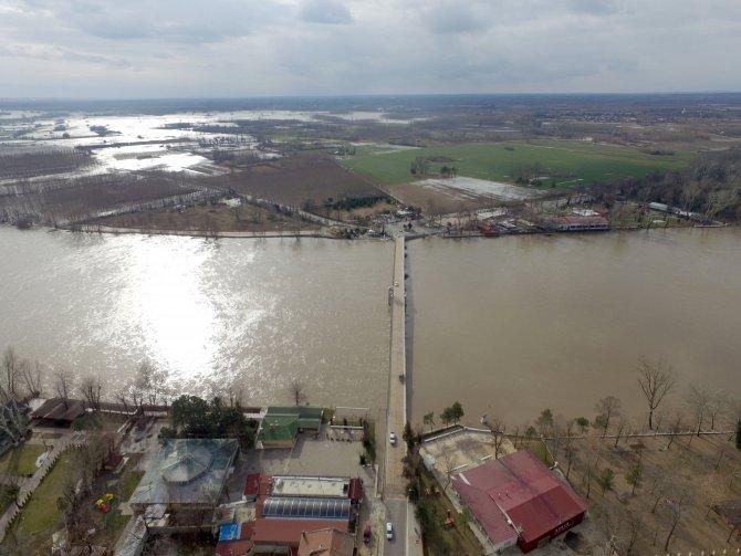 Edirne'de su altında kalan alanlar havadan görüntülendi