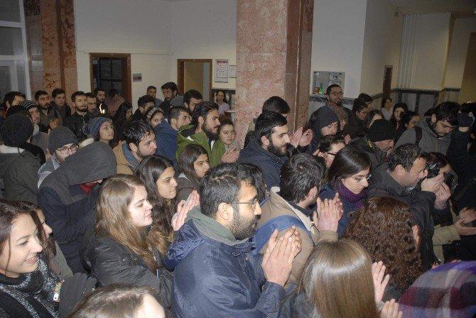 Anadolu Üniversitesi Öğrencilerinden Akademisyenlere Destek