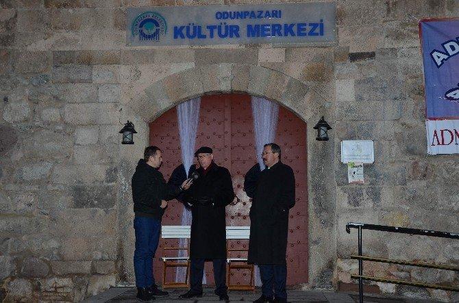 Kültür Merkezi Kilitlenen Başkandan Oturma Eylemi