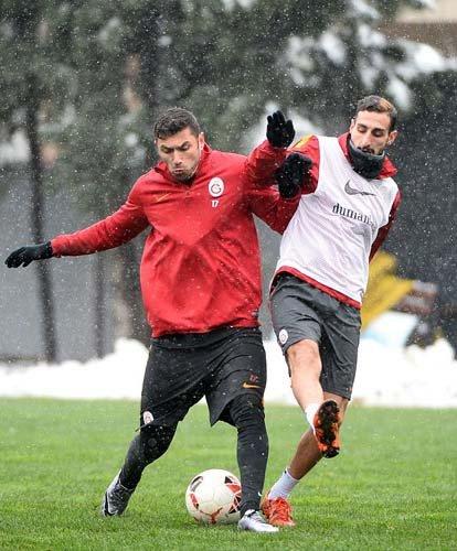 Galatasaray'da Hamit Altıntop sevinci