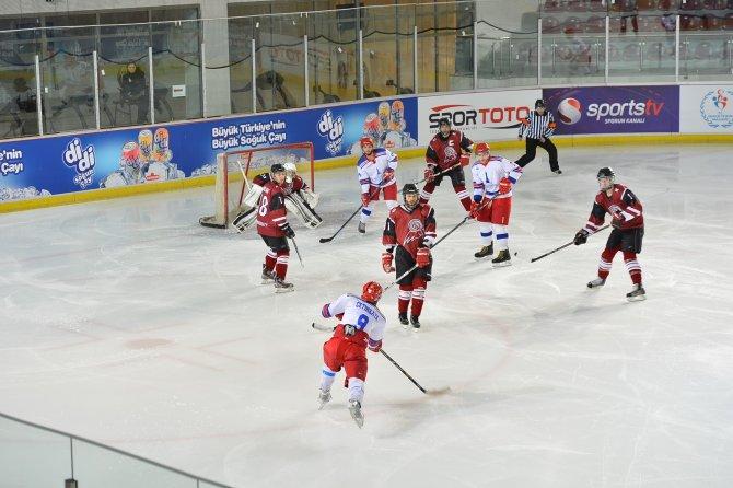 Buzda İzmir fırtınası: Üç maçta 40 gol attı