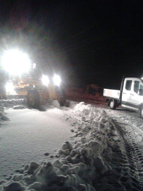 Kar, İzmir'de Hayatı Olumsuz Etkiledi