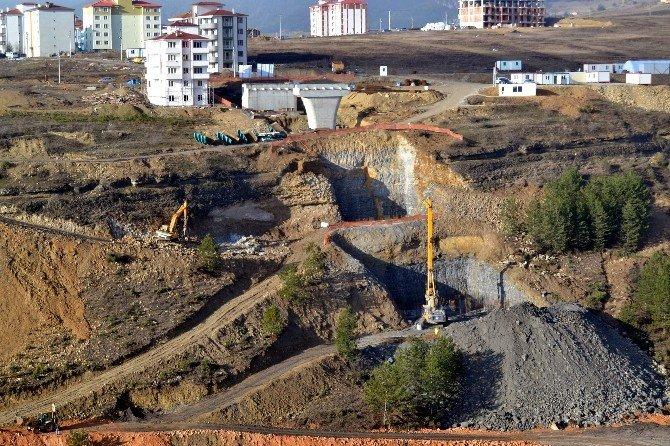 Karabük'te Kanyon Köprü Projesi Devam Ediyor