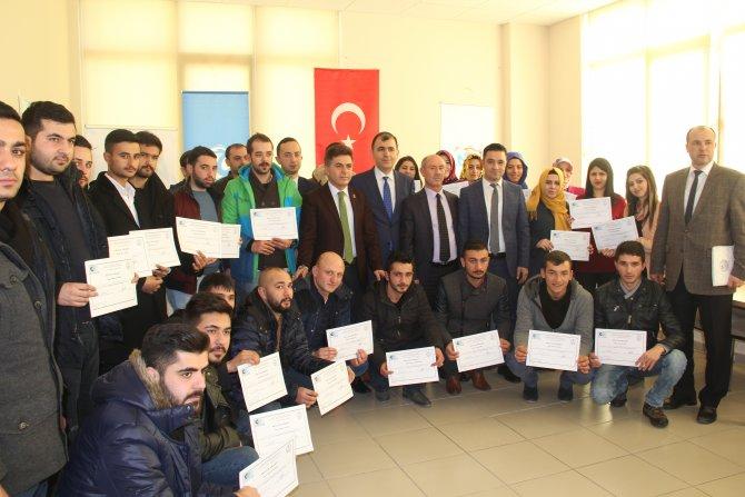 İnovasyon atölyesi girişimcilik kursiyerleri sertifikalarını aldı
