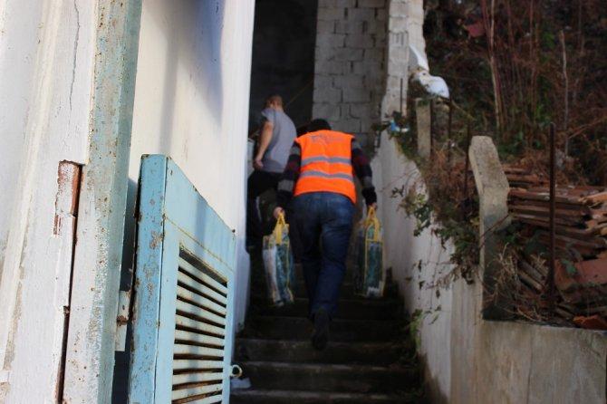 Kimse Yok Mu'dan Suriyelilere battaniye yardımı