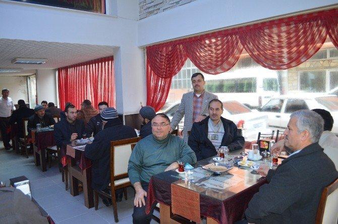 Kula Memur-sen Ve Diyanet-sen Üyeleri Kahvaltıda Bir Araya Geldi