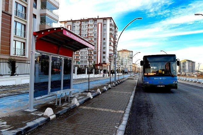 Eskiyen Otobüs Durakları Yenileniyor