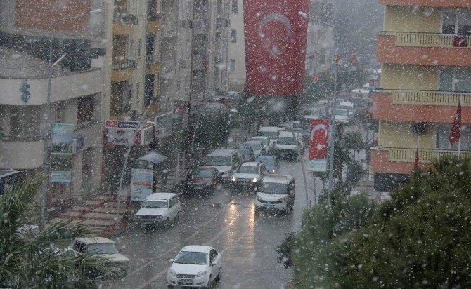 Saruhanlı'da Kar Yağışı