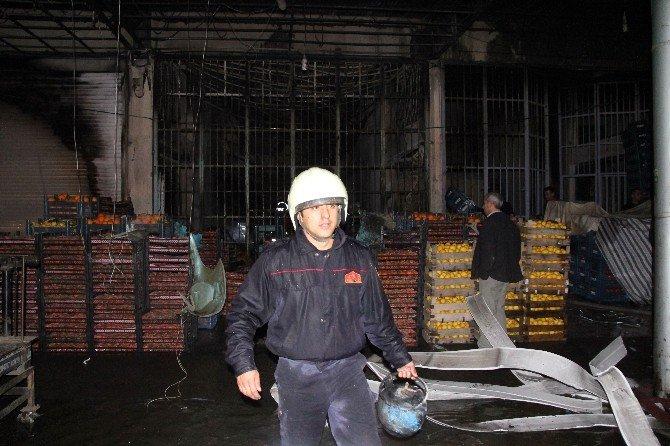 Mersin Hali'nde Korkutan Yangın