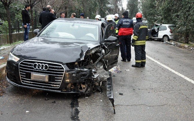Oktay Vural'ın Aracı Kocaeli'de Kaza Yaptı: 1 Yaralı