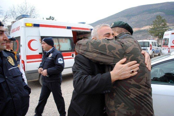 Şehidin Amasya'daki Baba Ocağına Ateş Düştü