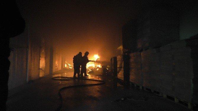 Nazilli'de Trafoya Düşen Yıldırım Fabrikada Yangına Neden Oldu