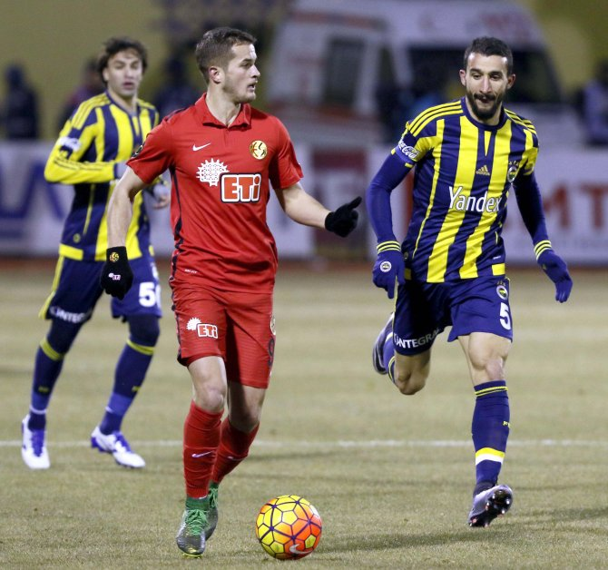 Eskişehirspor: 0 - Fenerbahçe: 1 (İlk yarı)