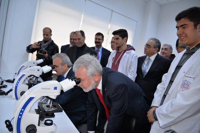 İyi Hekimlik Uygulamaları ve Simülasyon Merkezi'nde uygulamalı eğitim imkanı