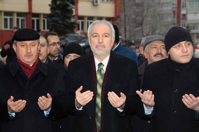 Kütahya Belediyesi'nden Bayırbucak Türkmenleri'ne 3 Tır Dolusu İnsanı Yardım Malzemesi