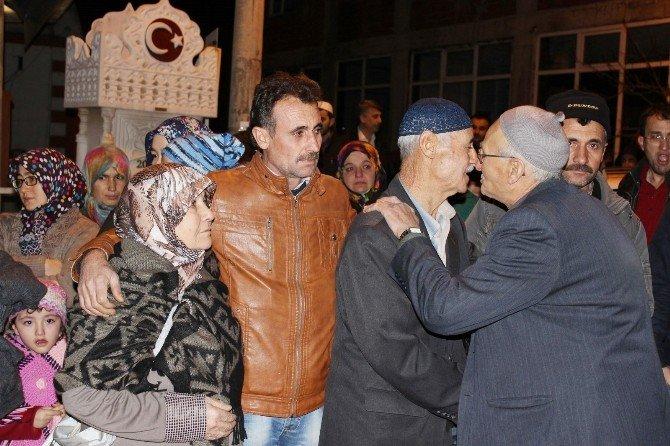 Hisarcık'ta Yeni Yılın İlk Umre Kafilesi Dualarla Uğurlandı