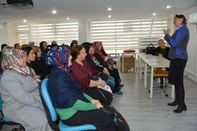 Anne Üniversitesi Öğrencileri İlk Dersine Başladı