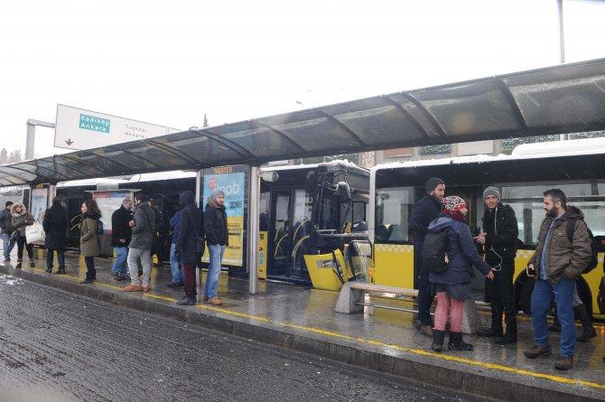 Metrobüs kazasında yaralı sayısı 8'e çıktı
