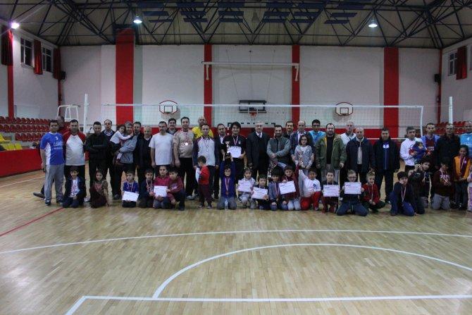Fatih Koleji babalar voleybol turnuvası sona erdi