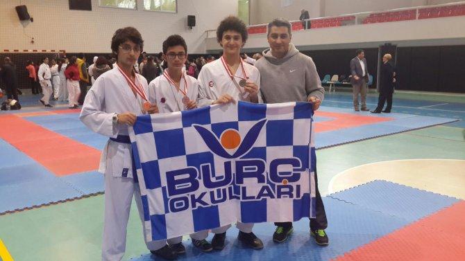 Burç Vural, karatede 2 altın, 1 gümüş madalya kazandı