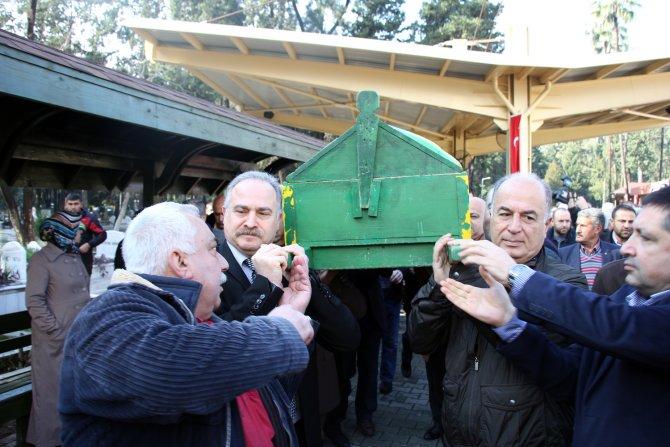 CHP'li eski vekil Tümer toprağa verildi