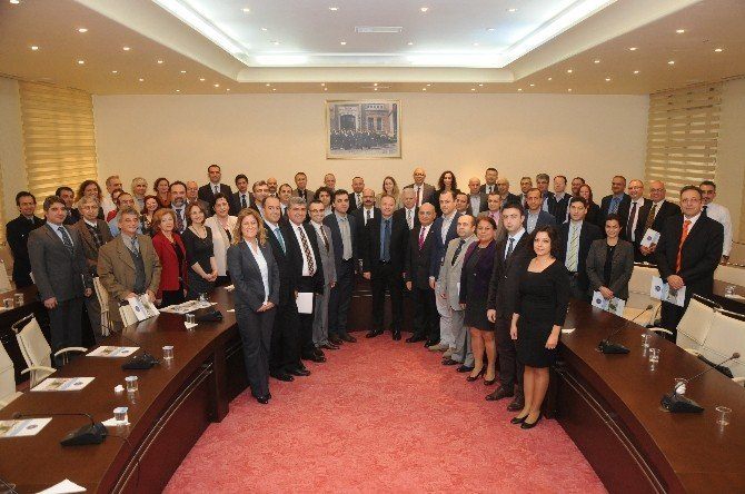 Akdeniz Üniversitesi Rektör Vekili Ünal'dan Bilim İnsanlarına Teşekkür