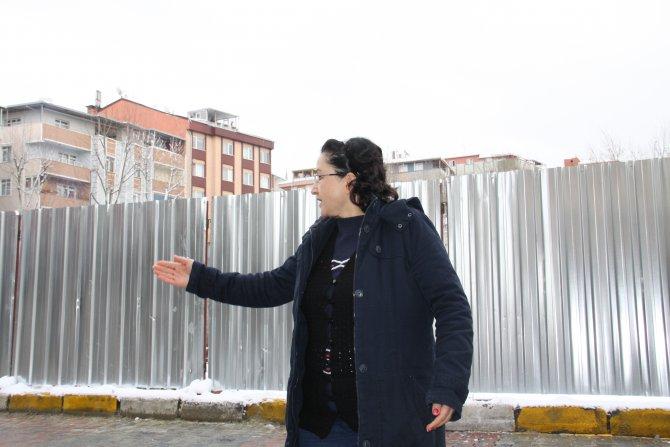 Heyelan nedeniyle evlerini boşaltan vatandaşlar tedirgin