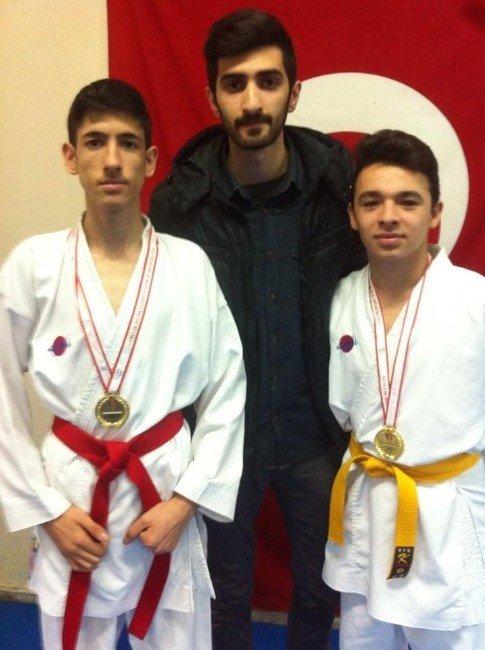 Bigalı Karateciler Madalya İle Döndü