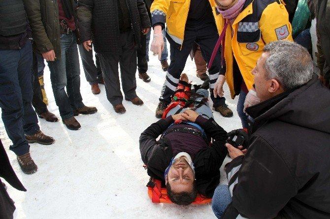 Çaldıran'da Trafik Kazası: 6 Yaralı