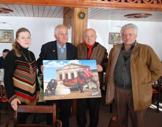 İzmirli Ressamlar Bulgaristan'da Sergi Açtı