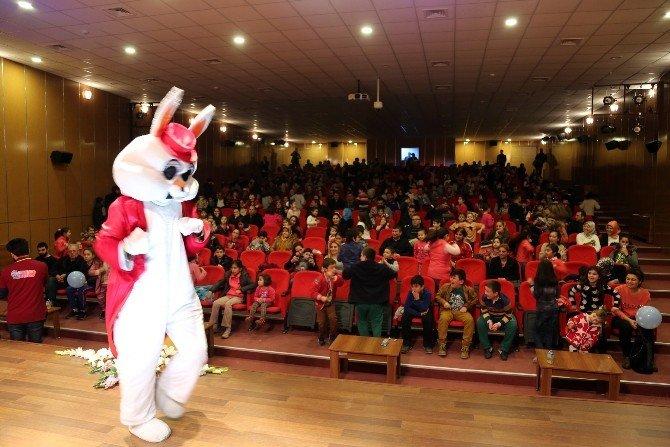 Erdemli Belediyesi'nden Çocuklara Karne Hediyesi