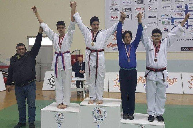 Foça'nın Taekwondocuları Türkiye Şampiyonasına Katılacak